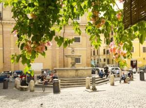 piazza_madonna_dei_monti_con_la_fontana